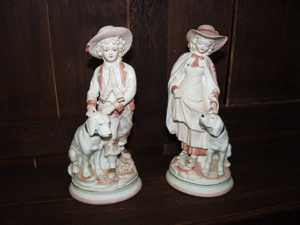 1016: Bisques Figurines