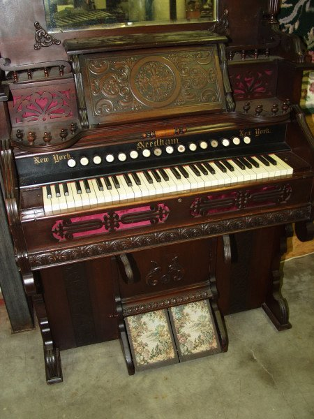 28: Needham Pump Organ - 2