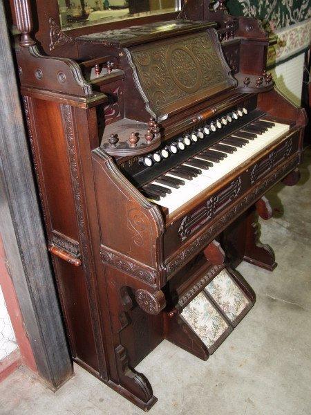 28: Needham Pump Organ - 5