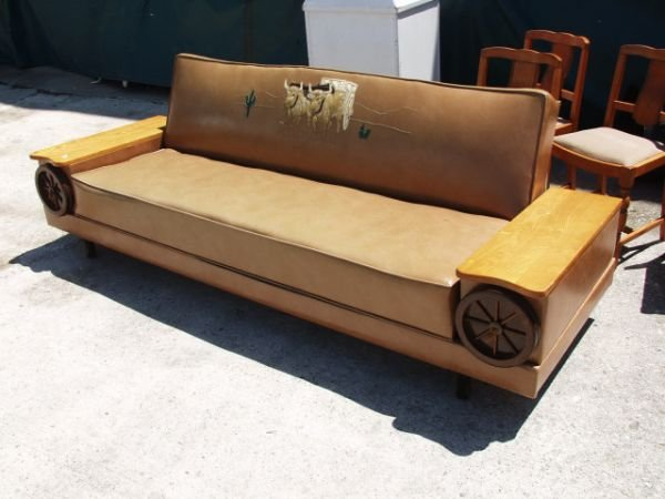 92: Vintage Western Wagon Wheel Couch/Bed