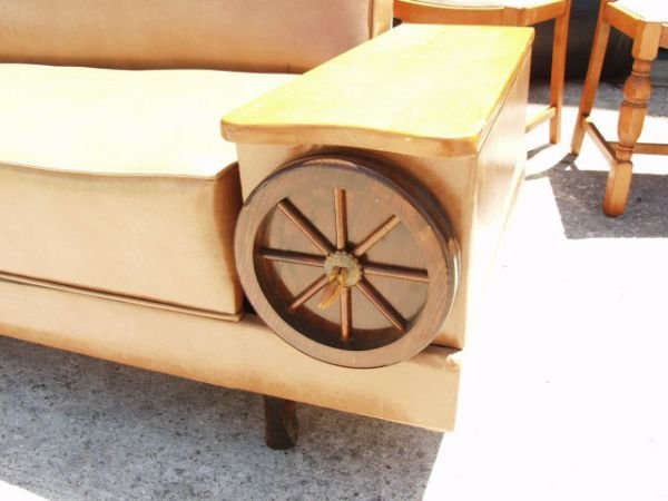 92: Vintage Western Wagon Wheel Couch/Bed - 3
