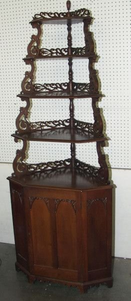 371: Victorian Corner Shelf