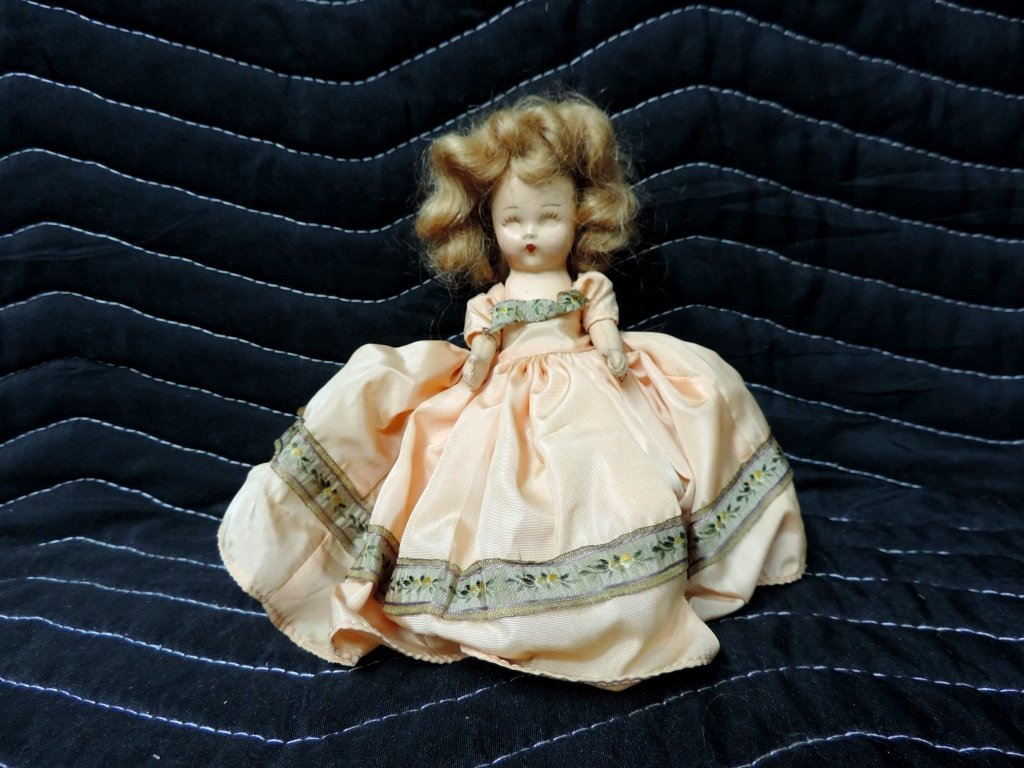 Small Old Doll*928