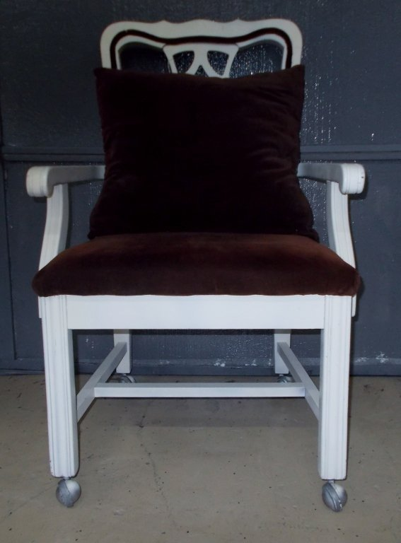 Cream and Brown Rolling Chair *992