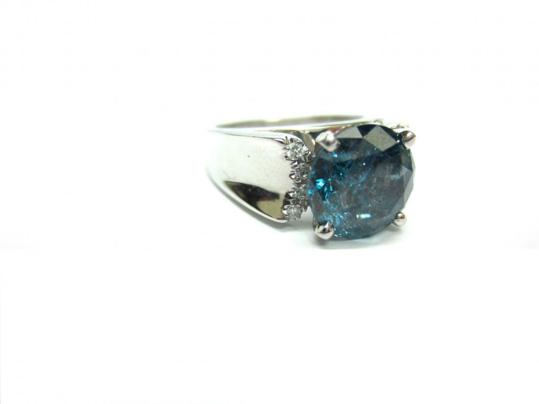 Diamond Ring 3.08 ct Total, Fancy Blue