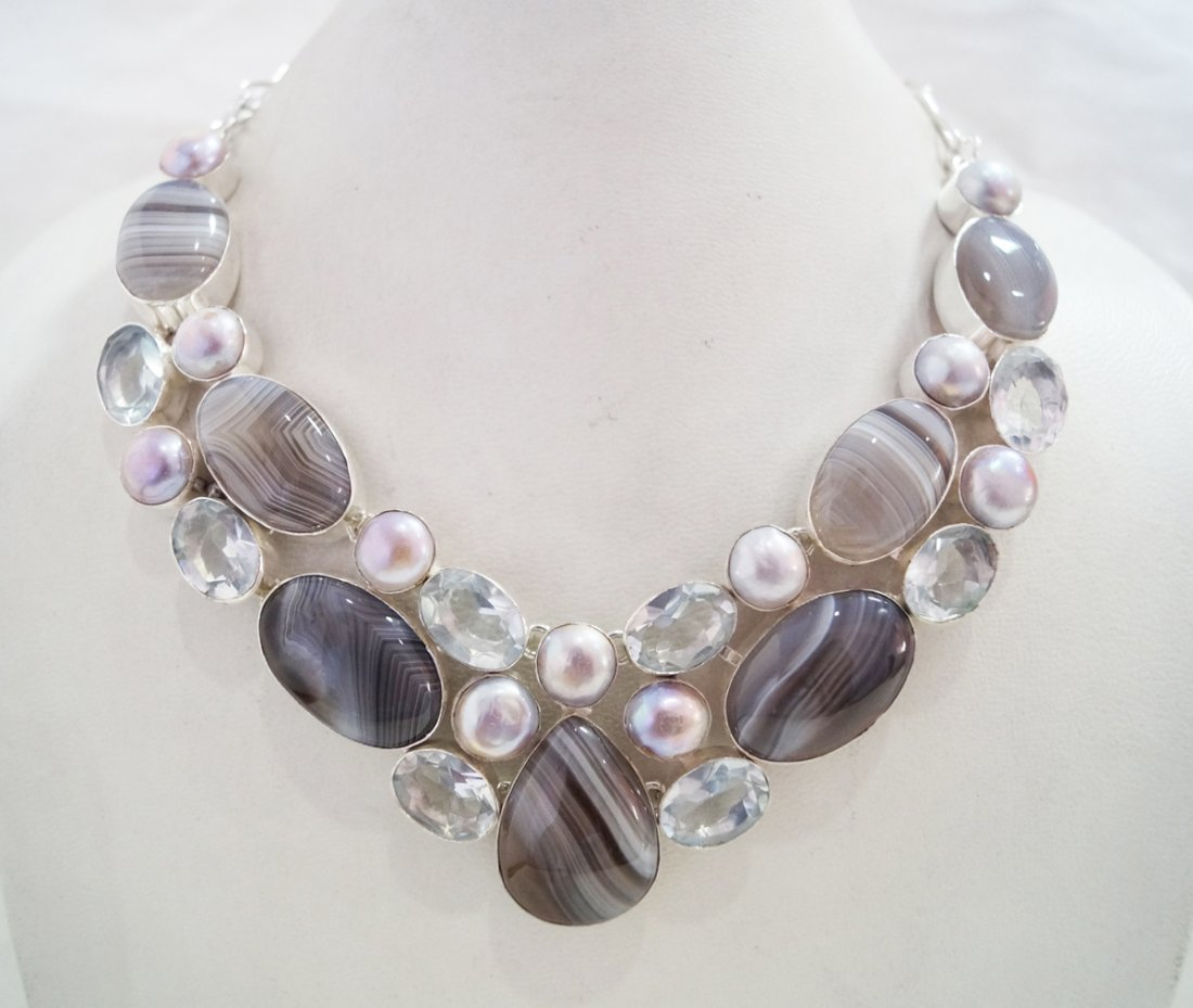 Beautiful Necklace with Genuine Agate,Crystal & pearl