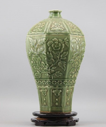 Antique Chinese Green-Glazed Floral Octagonal Meiping