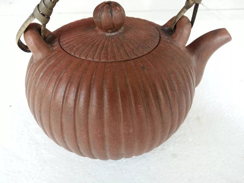 Antique Chinese Yixing Zisha Teapot - 2