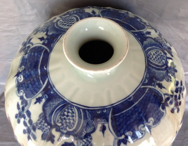 Large Antique Chinese Blue and White Meiping Caver Jar - 3