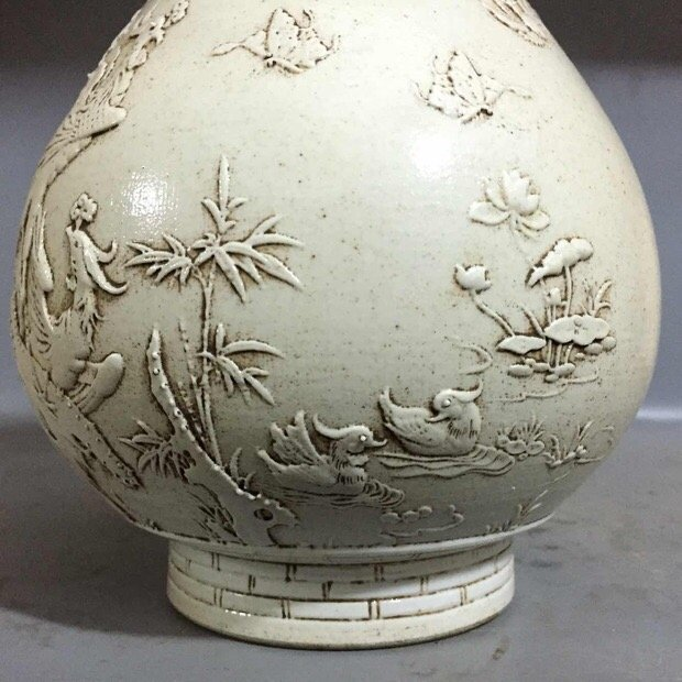 Antique Chinese Carved White Porcelain Yuhuchun Vase - 5