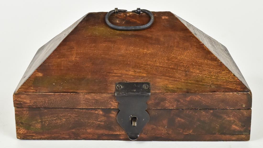 Unusual Fishing Tackle Box - 3