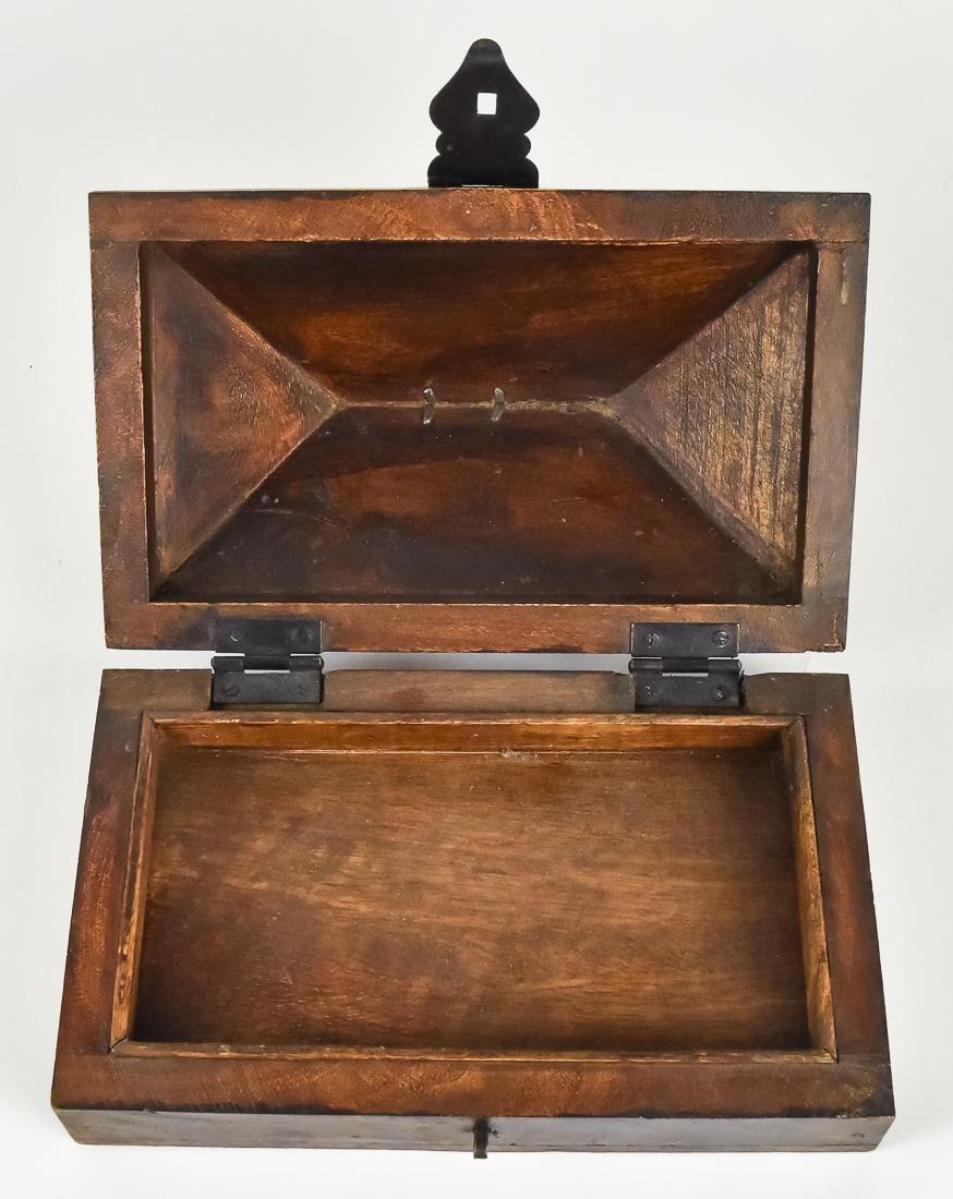 Unusual Fishing Tackle Box - 6