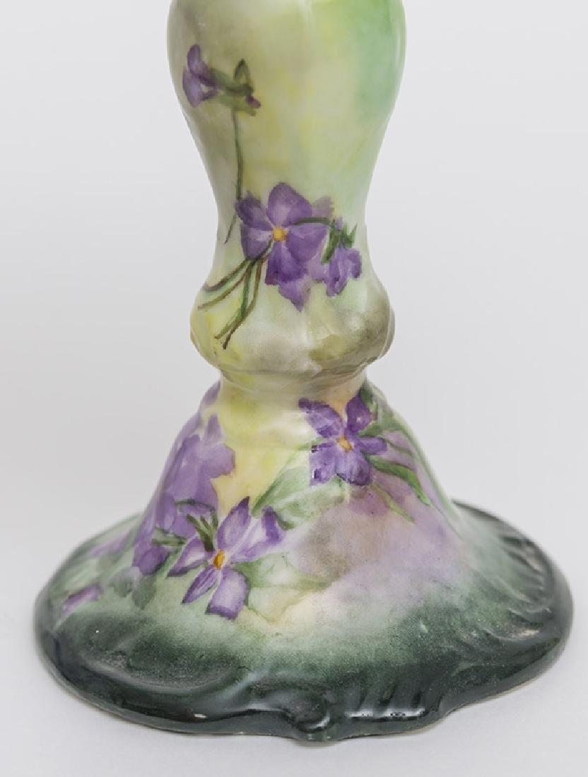 Two Victorian Porcelain Oil Lamps - 3
