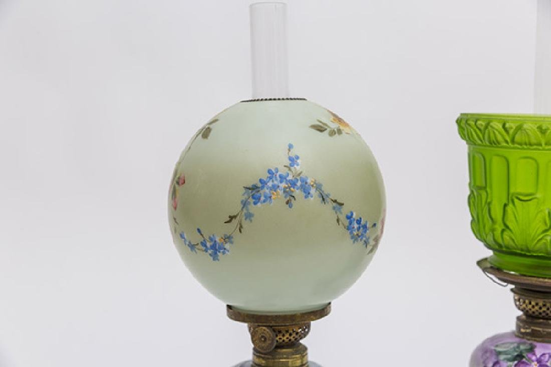Two Victorian Porcelain Oil Lamps - 6