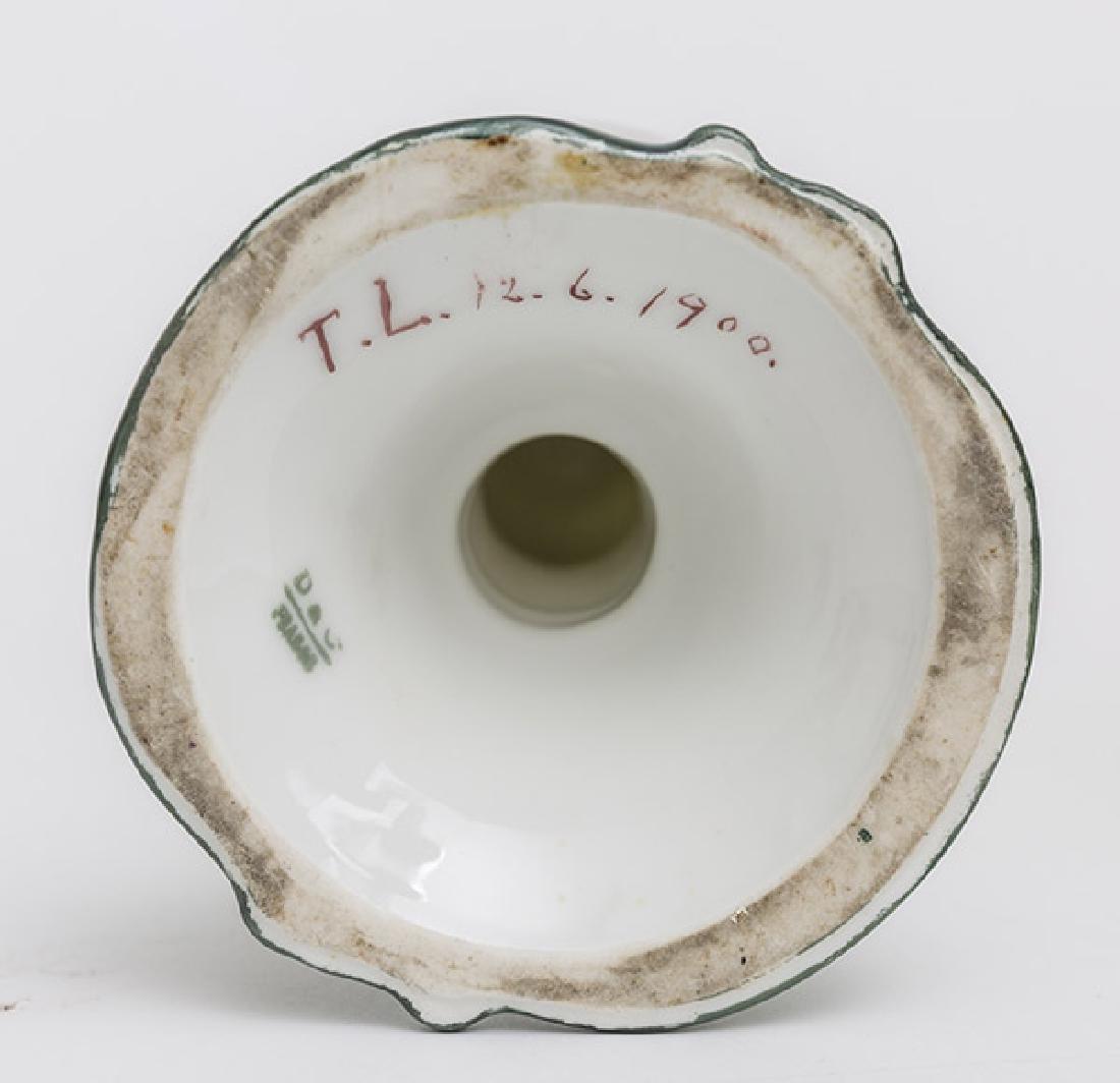 Two Victorian Porcelain Oil Lamps - 8