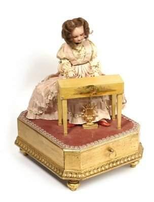 8: LADY PLAYING PIANO AUTOMATON