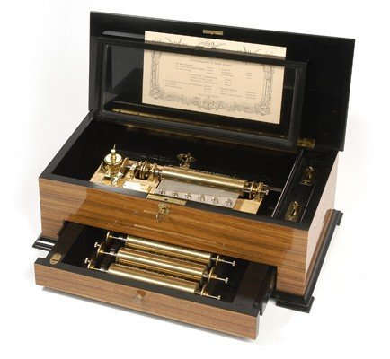 11: REUGE INTERCHANGEABLE CYLINDER MUSIC BOX