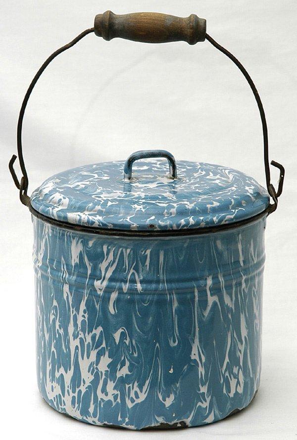 6: Blue & White Graniteware Pail w/Lid & Bail Handle