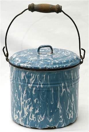 Blue & White Graniteware Pail w/Lid & Bail Handle