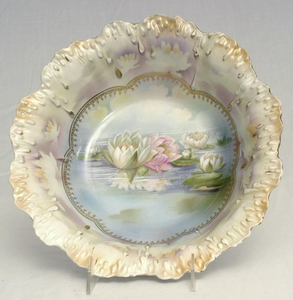 204: RS Prussia Bowl w/ Reflecting Water Lilies