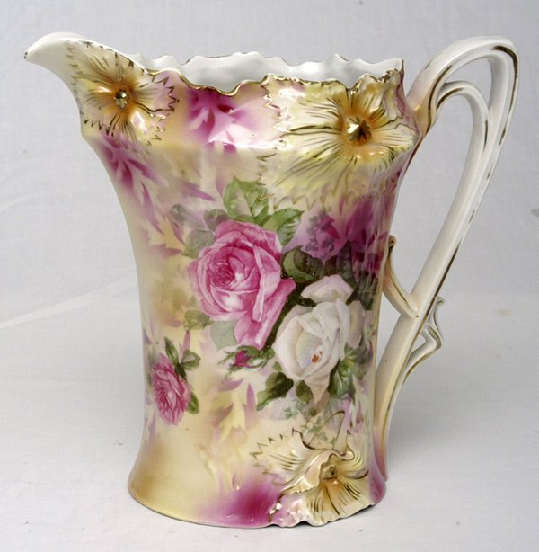 218: RS Prussia Pitcher w/ Roses