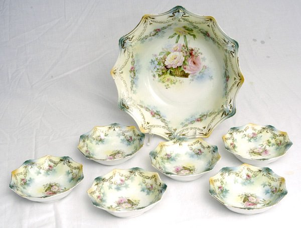 261: RS Prussia 7 Pc. Berry Set w/ Hanging Basket
