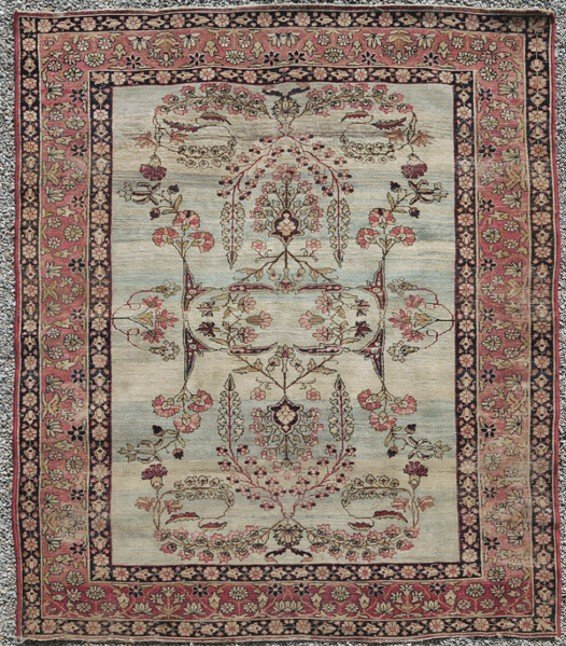 263: SEMI-ANTIQUE ORIENTAL RUG