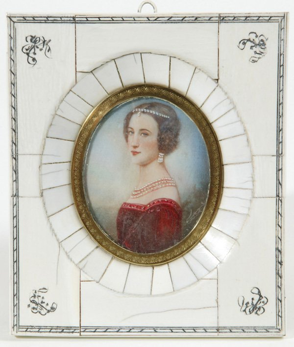 1005: MINIATURE PAINTING ON IVORY OF LADY W/PEARL JEWEL