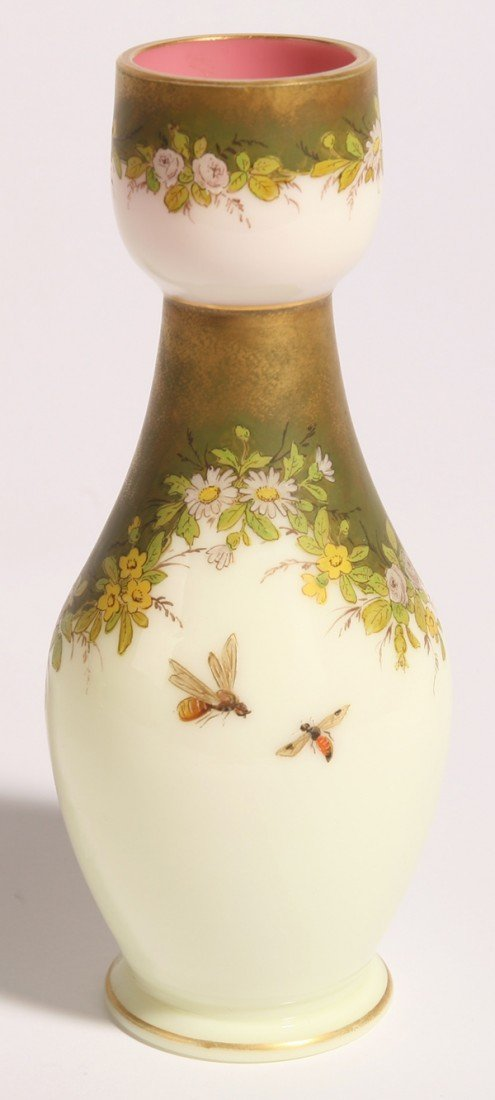 6: ATTRIBUTED SMITH BROS. VICTORIAN ART GLASS VASE