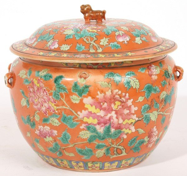 347: CHINESE PORCELAIN FAMILLE ROSE COVERED JAR