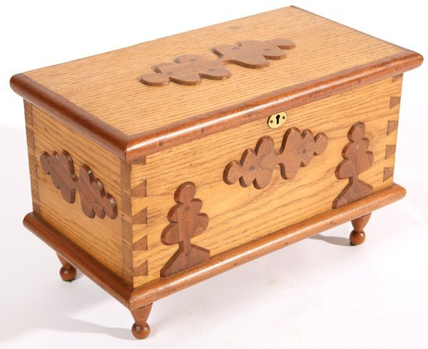 18: NICE PA. MINIATURE BLANKET CHEST