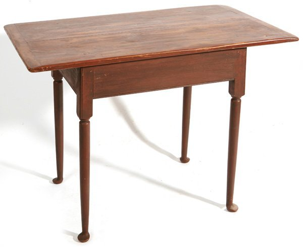 140: QUEEN ANNE TAVERN TABLE W/BREAD BOARD TOP