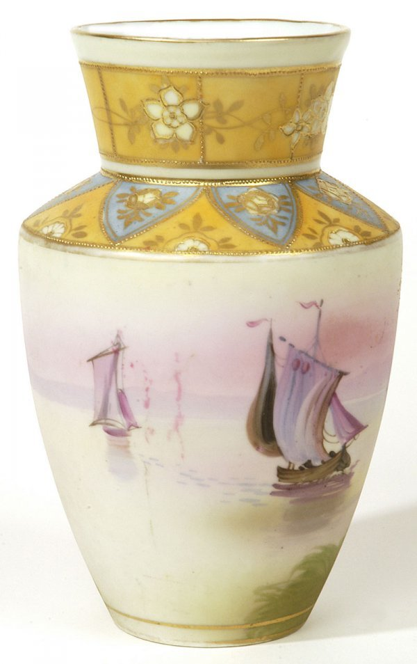 1005: NIPPON SCENIC VASE WITH SAILING SHIPS