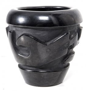 Santa Clara Carved Blackware Jar By Betty & Lee Tafoya