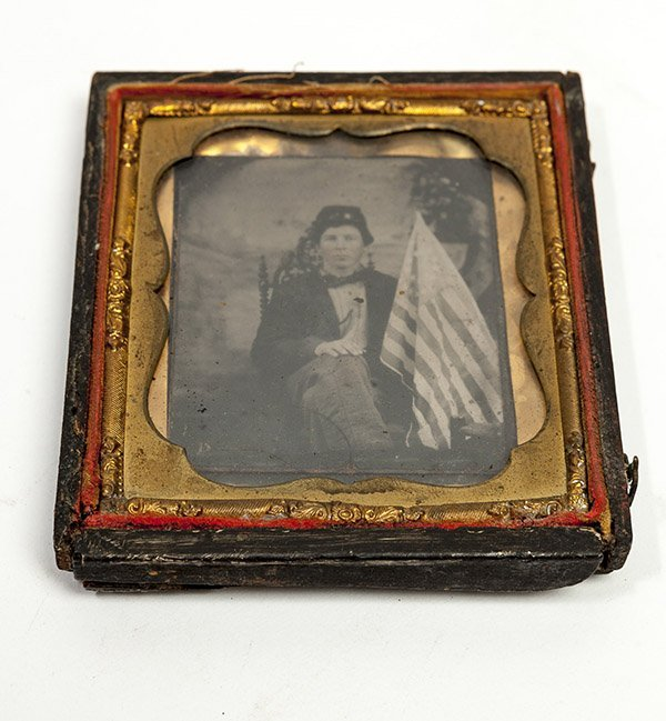 Cased Tintype of Union Soldier with Flag - 2