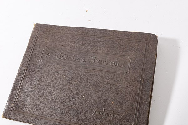 1932 Chevrolet Photo Album - 2