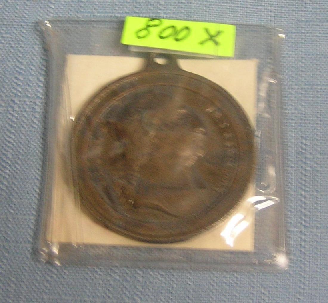 George Washington pictorial medallion