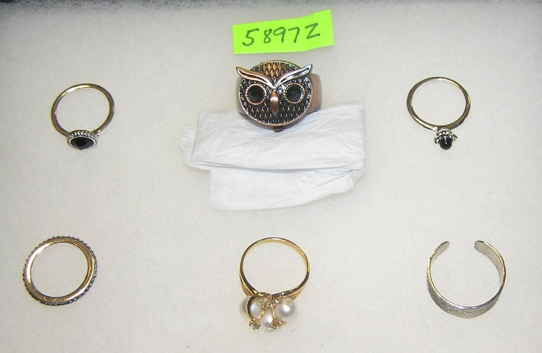 Group of quality costume jewelry rings