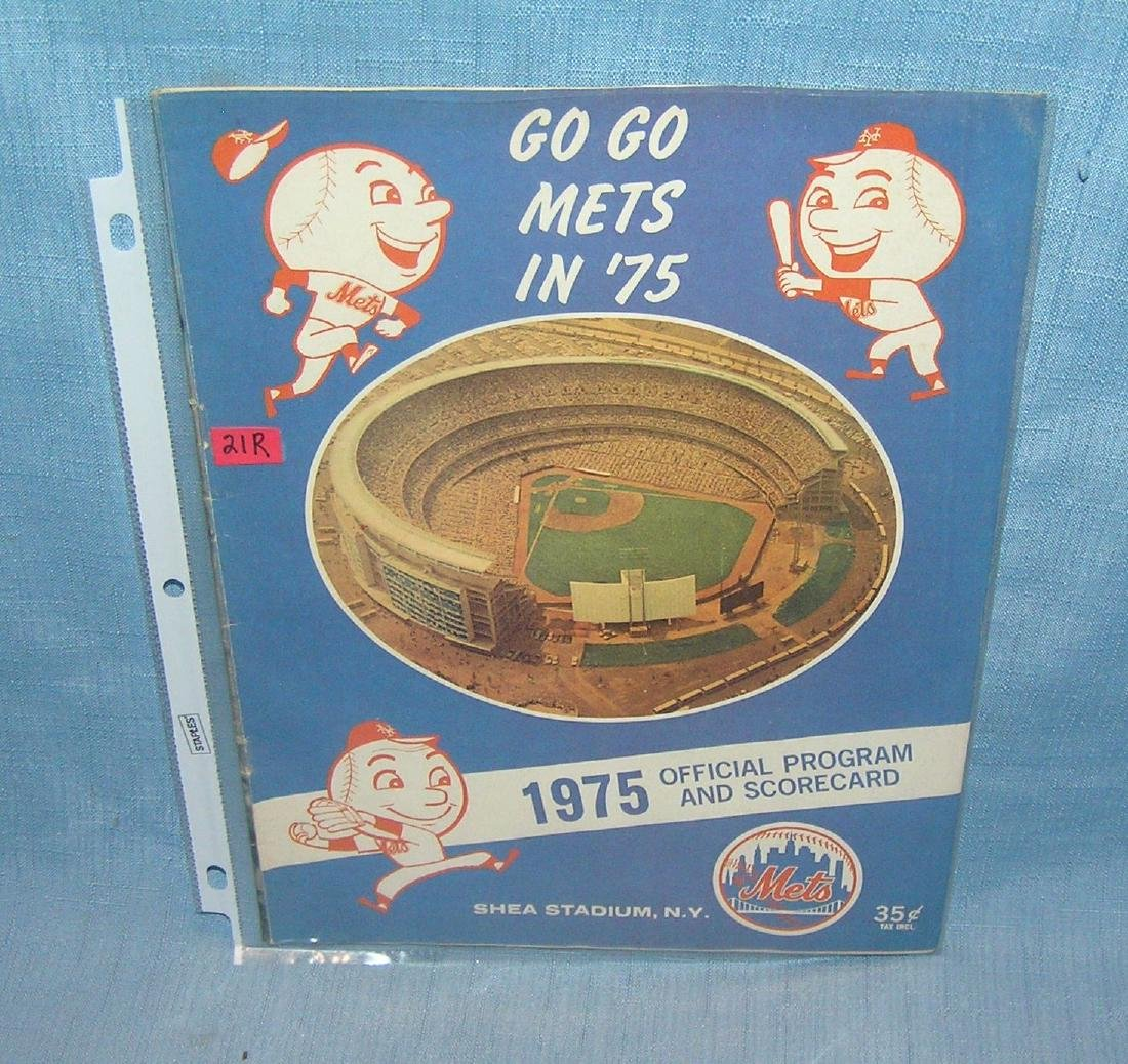Vintage 1975 NY Mets program and score card