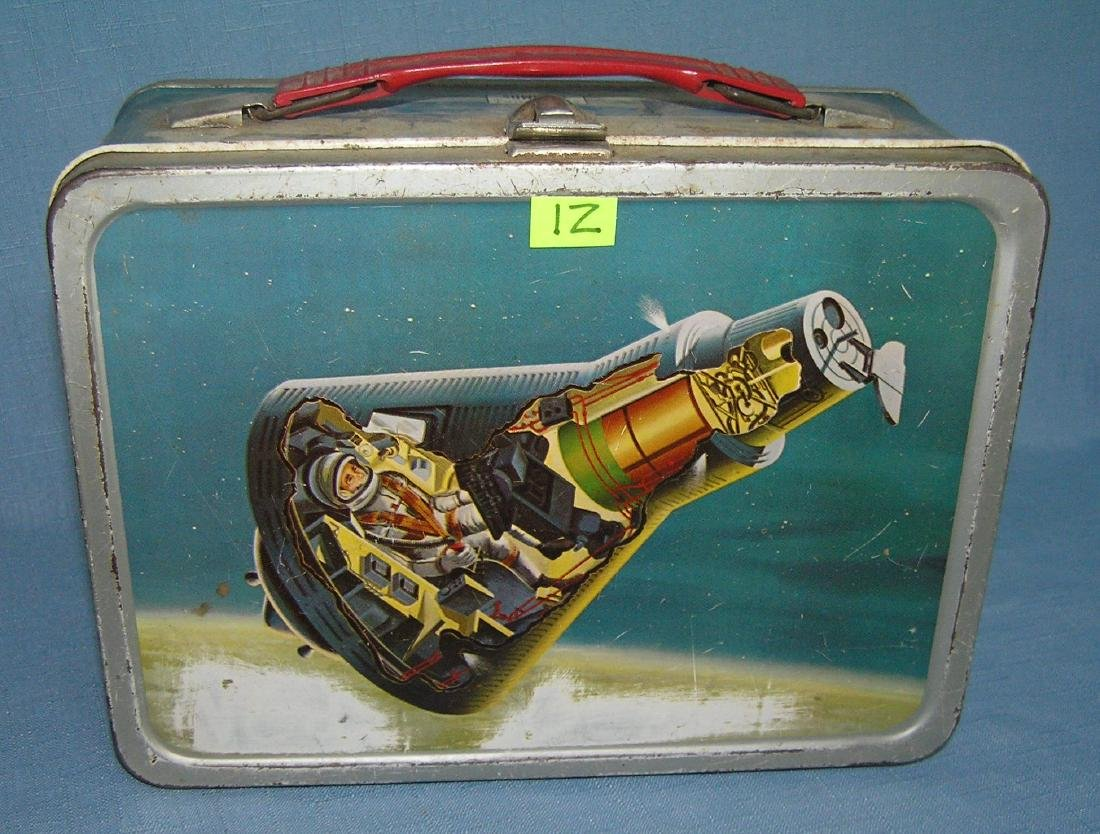 Vintage space themed domed shaped lunch box