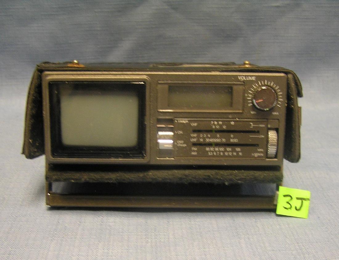 Vintage Magnavox AM/FM and portable TV set