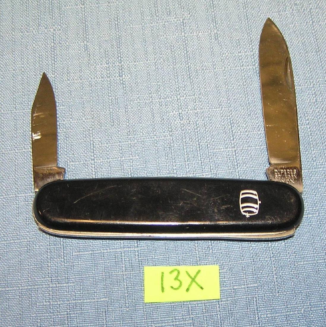Beer keg decorated 2 bladed pocket knife
