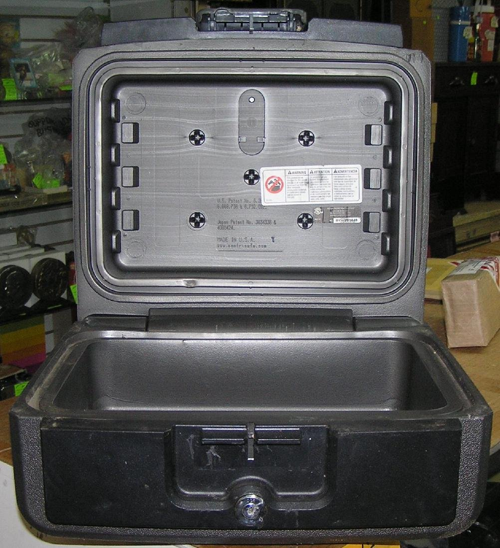 Sentry safe strong box safe