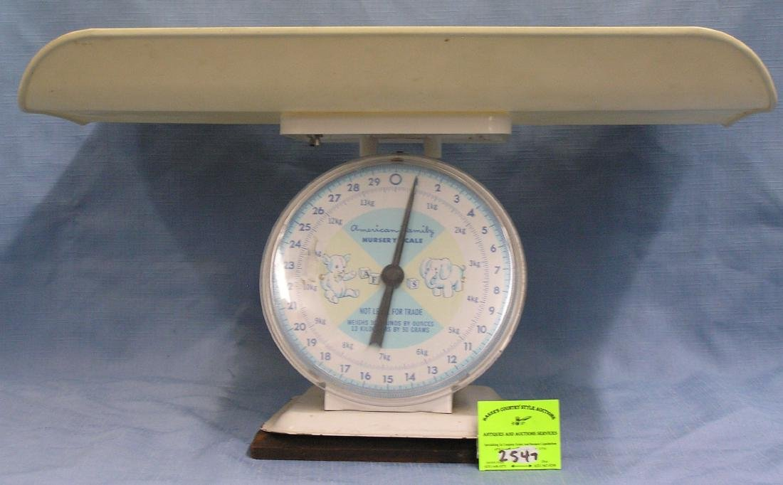 Vintage baby scale 30 pound capacity