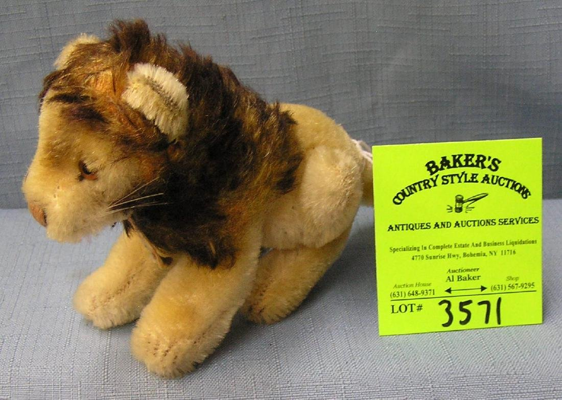 Early Steiff lion