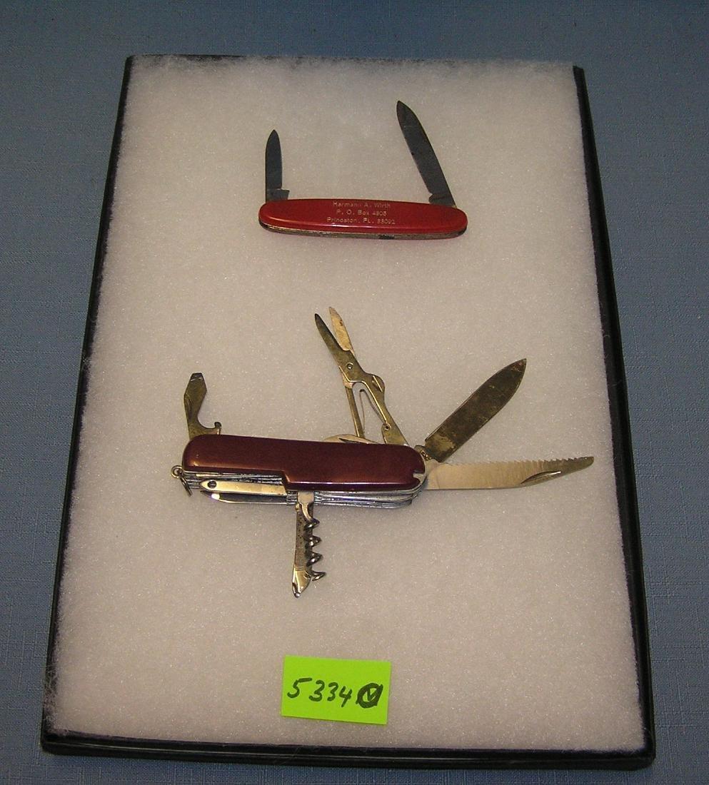 Pair of vintage pocket knives