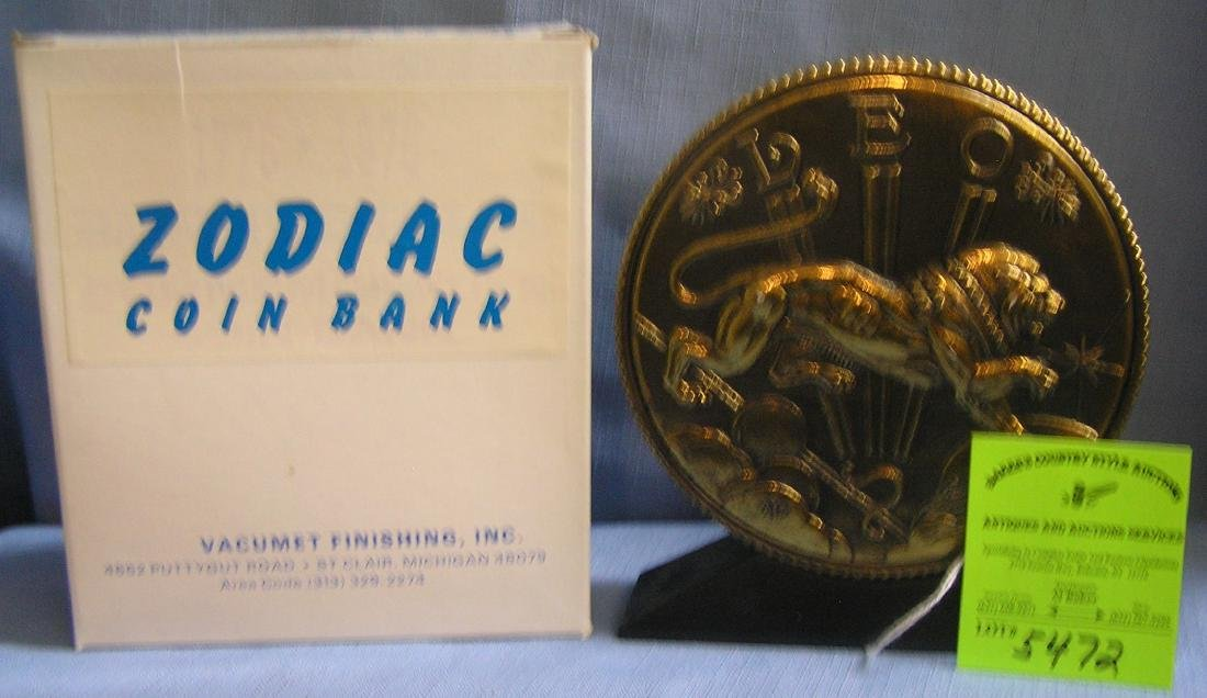 Vintage Leo coin bank mint with original box