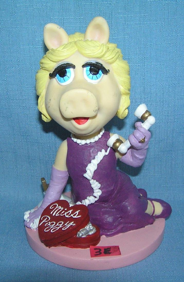 Miss Piggy bobble head figure