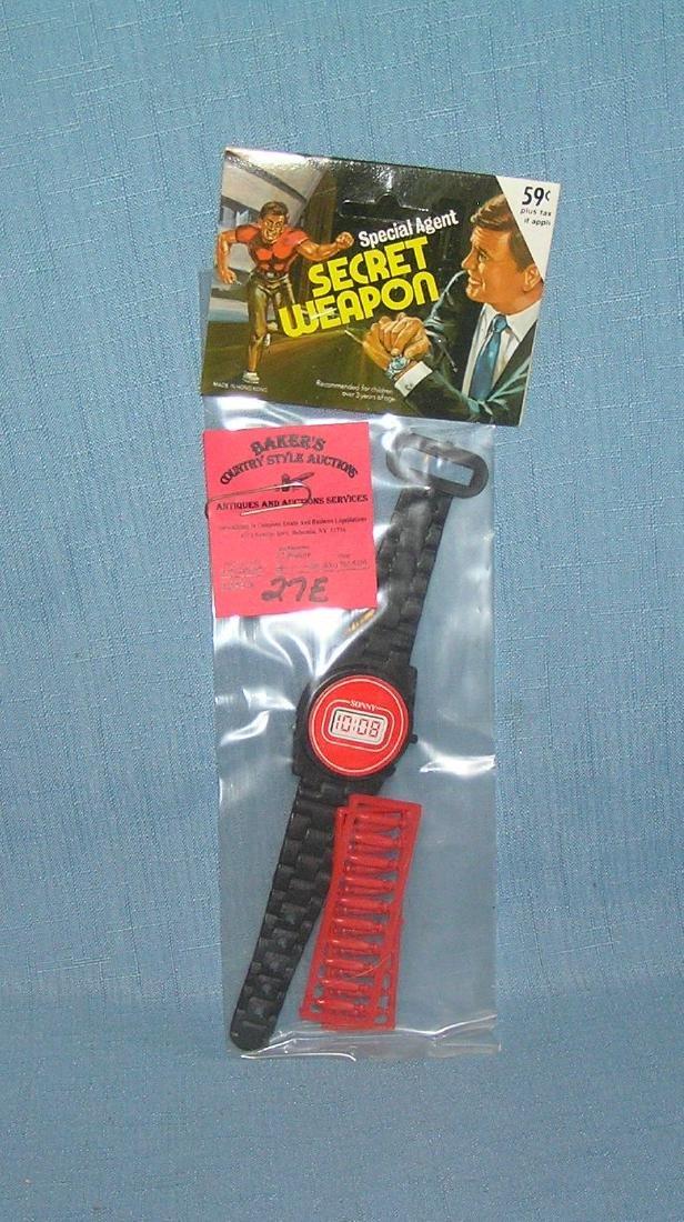 Special Agent secret weapon missile shooting wrist