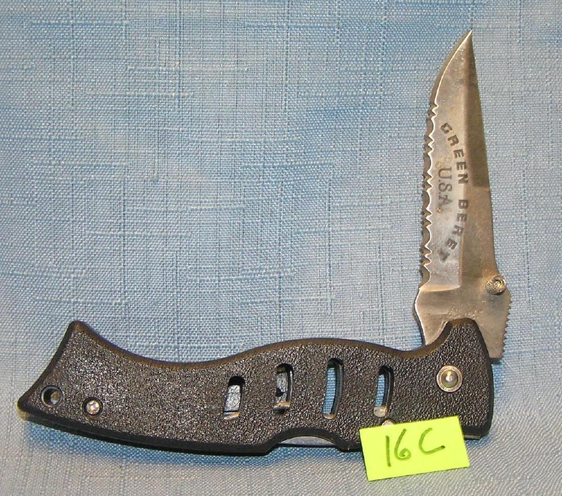 Green Beret single lock blade pocket knife